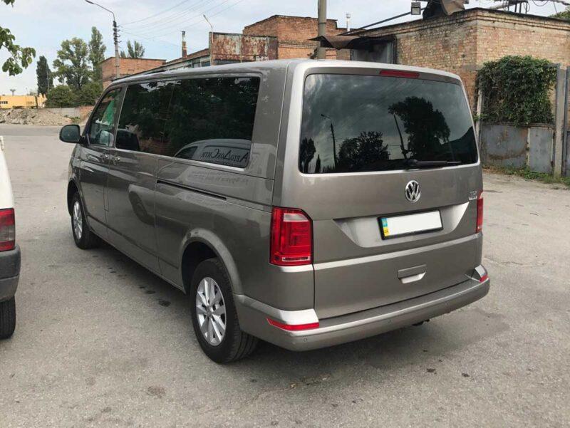 Minivan rental Volkswagen Caravelle