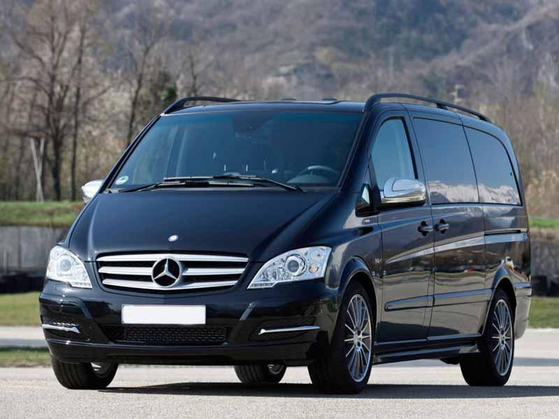 Прокат мінівена Mercedes Viano